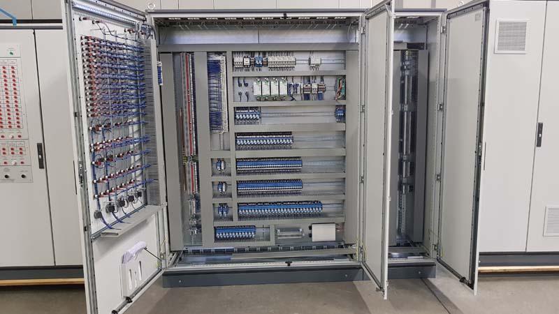 Schemi Quadri Elettrici Industriali : Cablaggio quadri elettrici u2022 caem italia srl caem italia